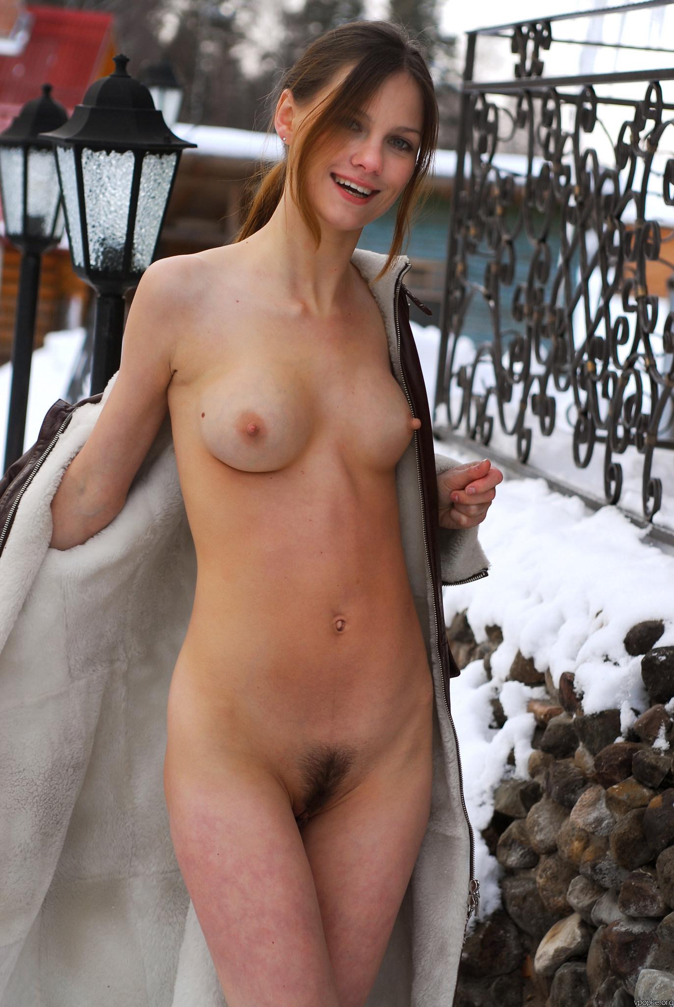 https://boobsmo.com/content/181/boobsmo_com_0000__56.jpg