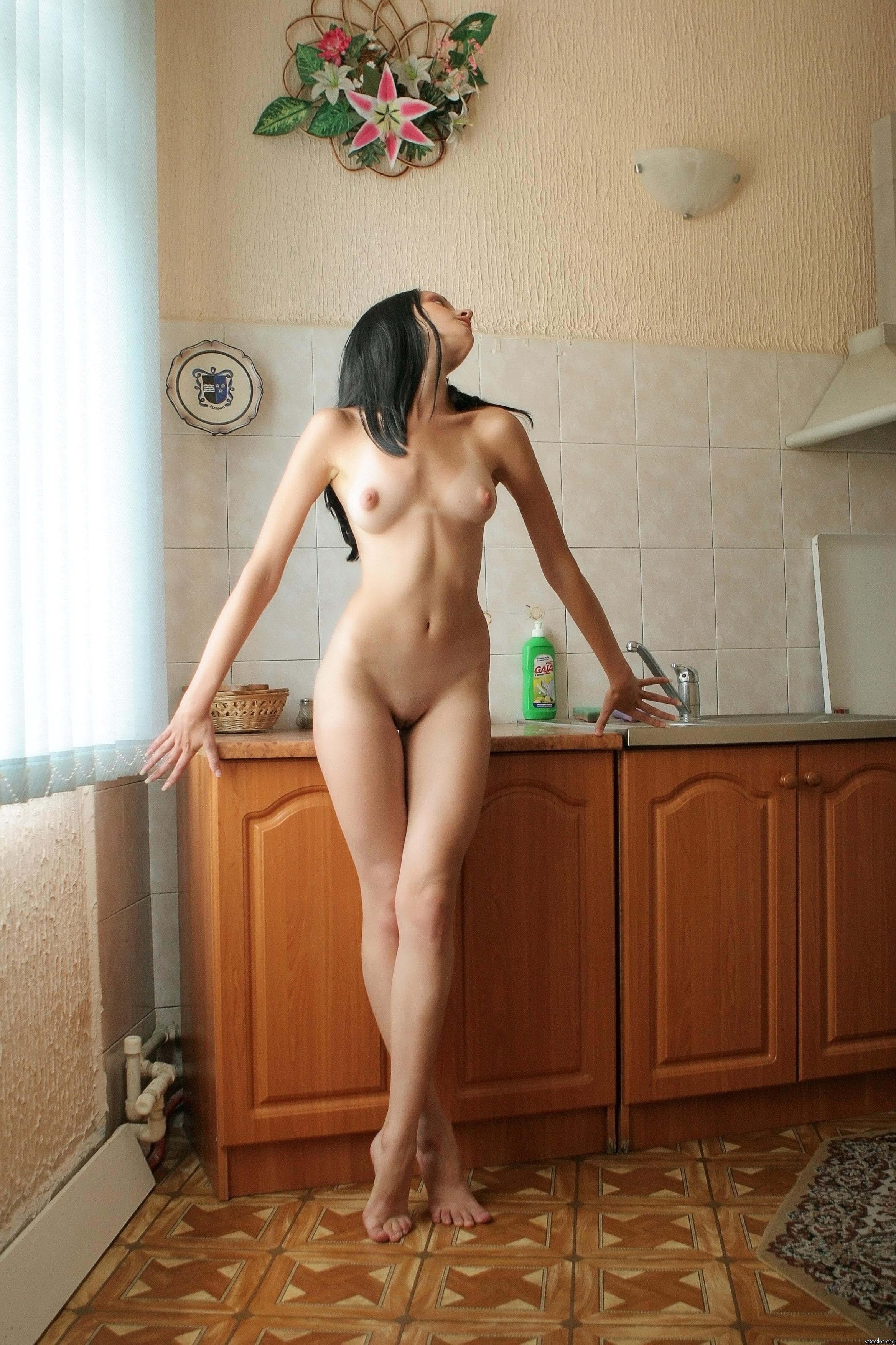 https://boobsmo.com/content/195/boobsmo_com_0000__75.jpg