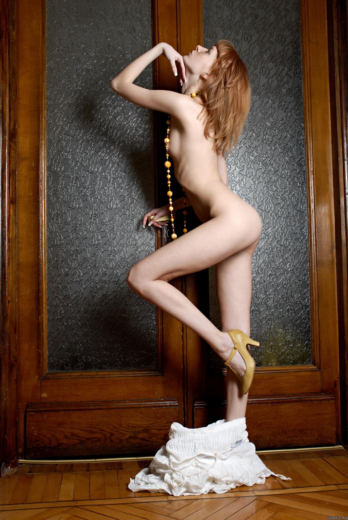 https://boobsmo.com/content/196/boobsmo_com_0000__65.jpg