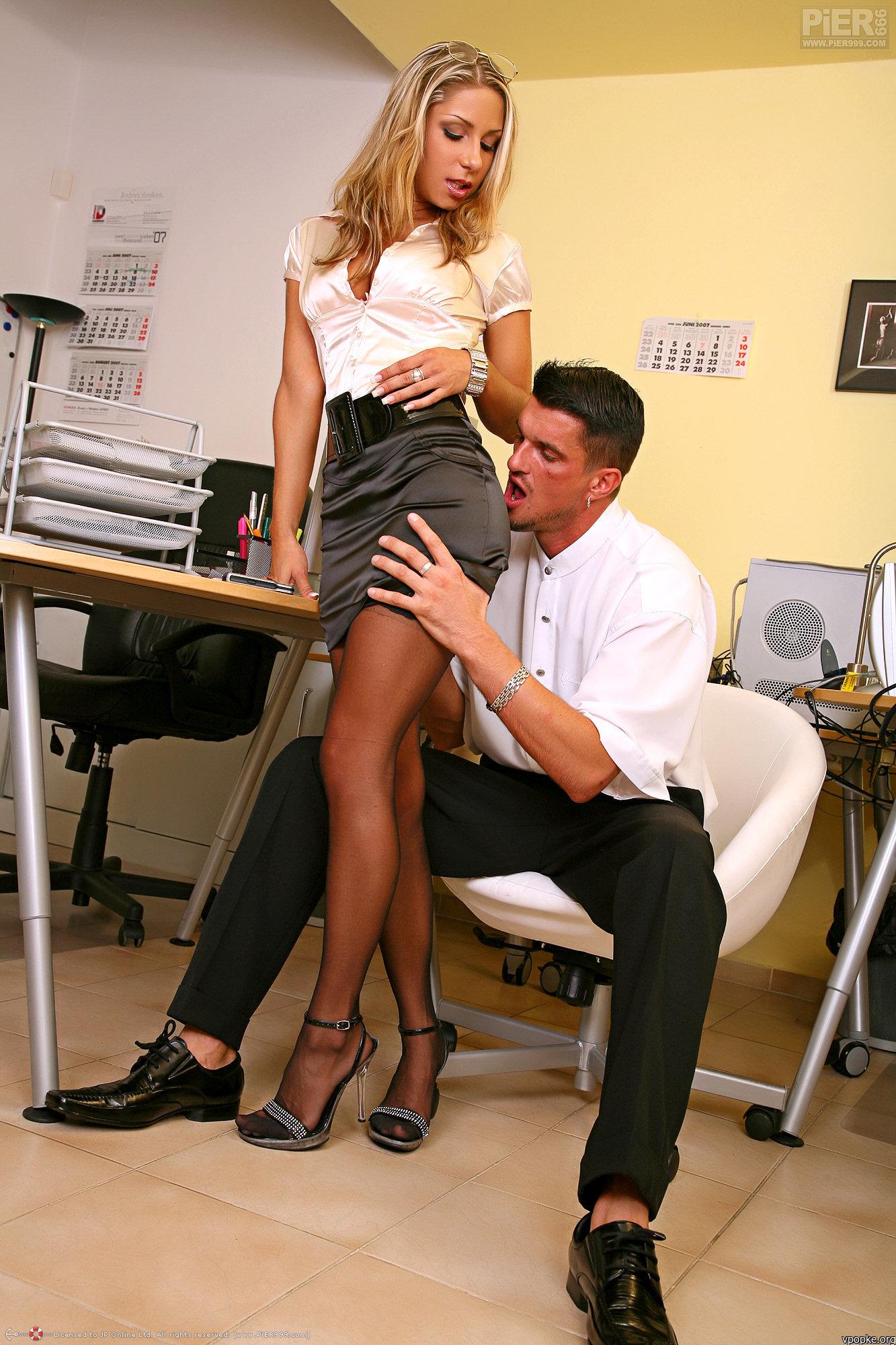 Секс секретарша з директором 19 фотография