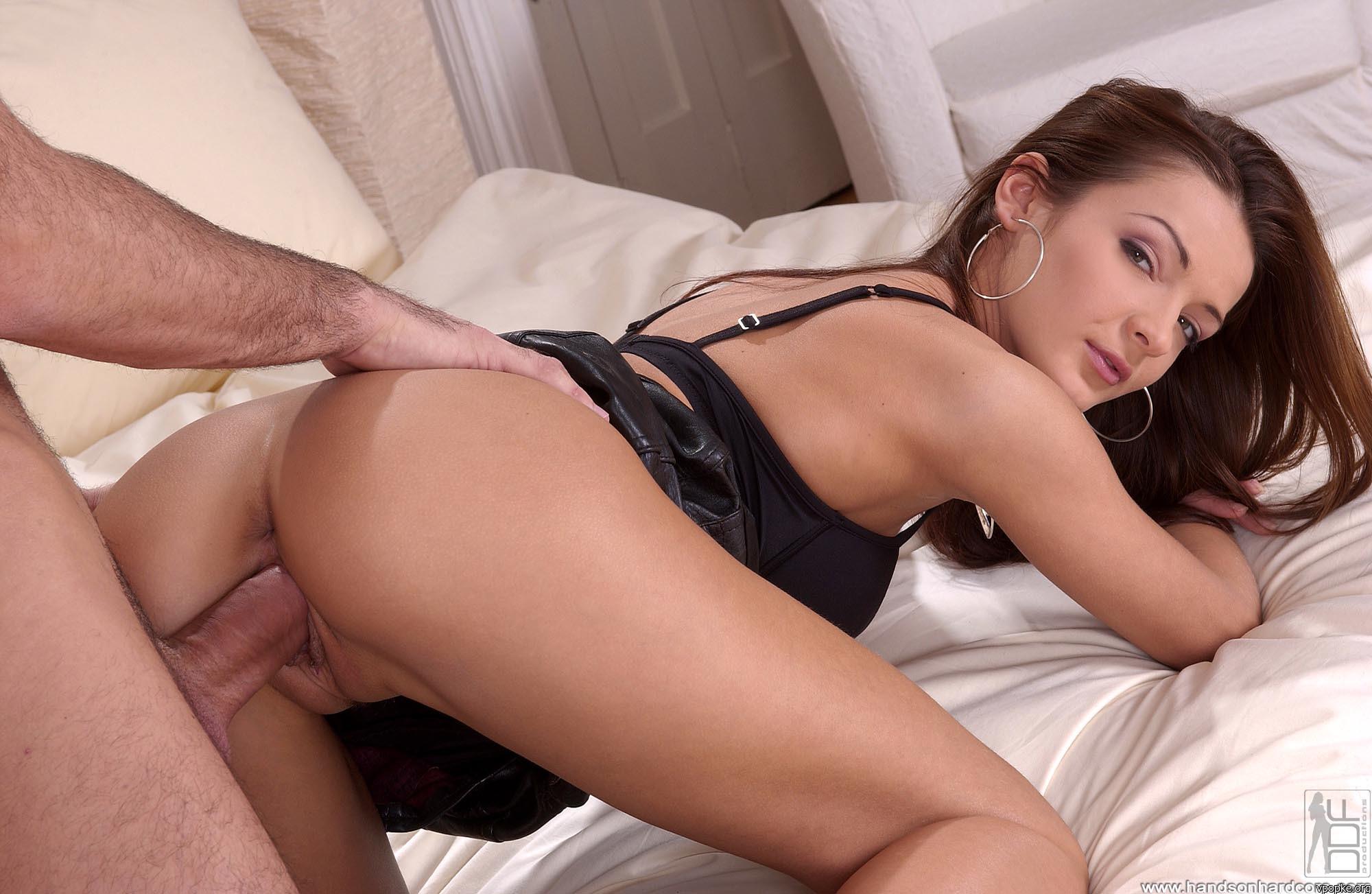 смотреть онлайн порно азиатка приставания