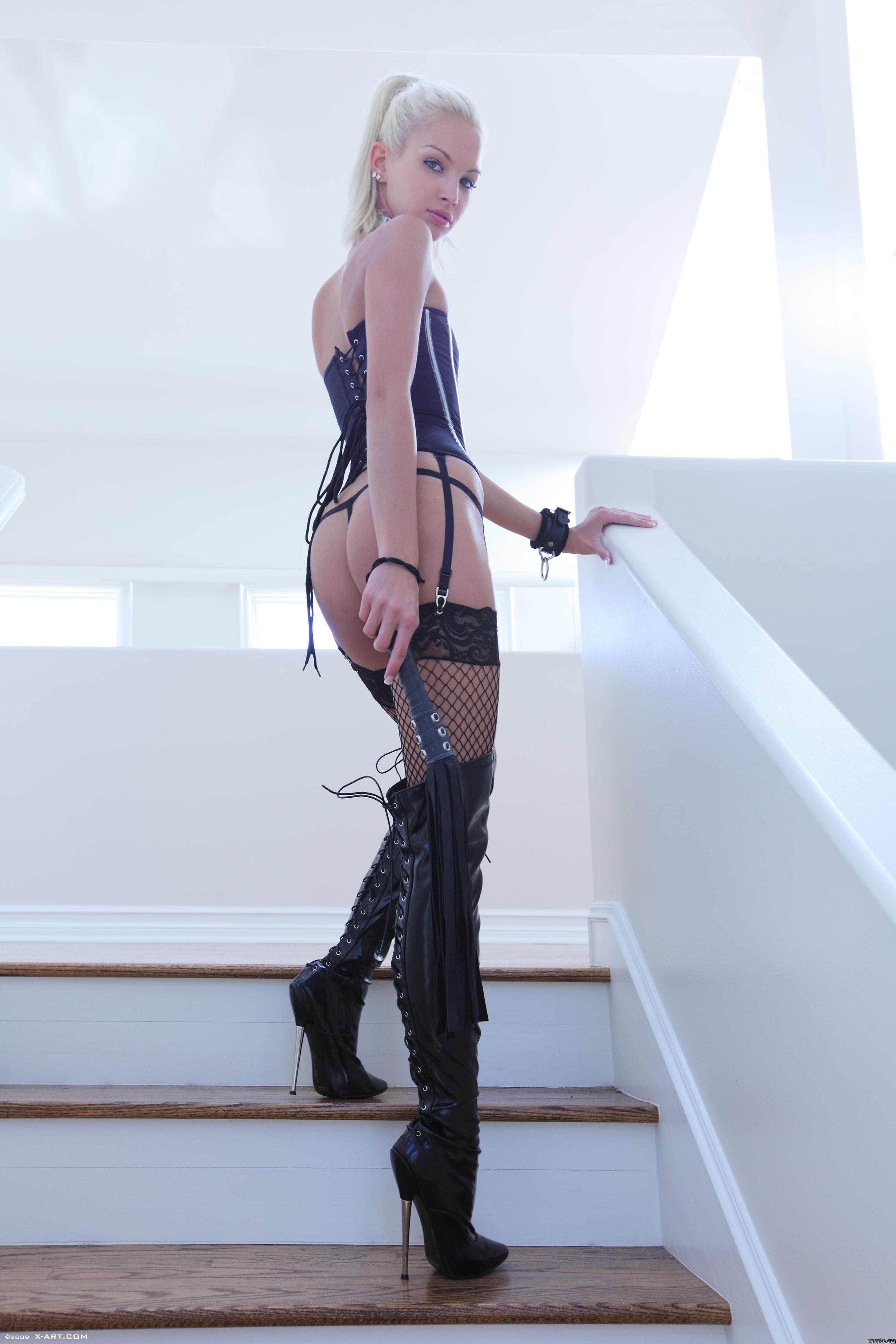 Страпон госпожа латекс высокие каблуки 11 фотография