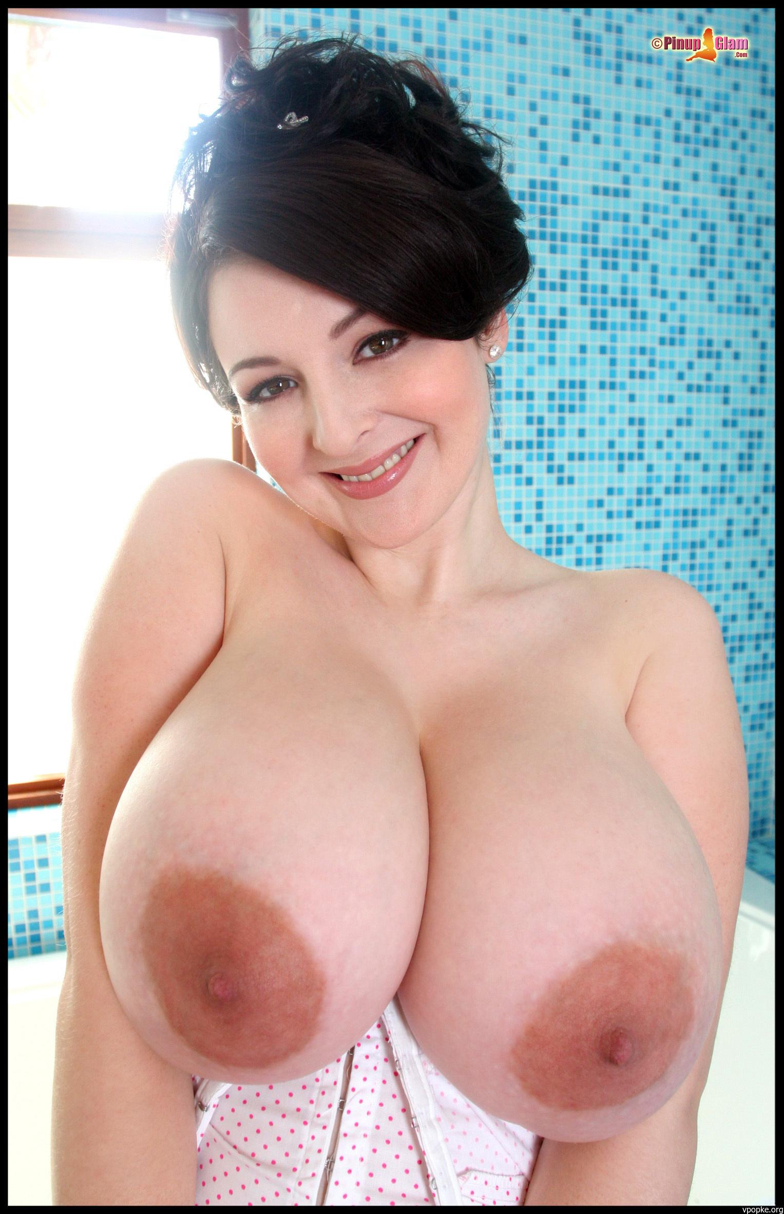 Смотреть большие натуральные груди онлайн 16 фотография