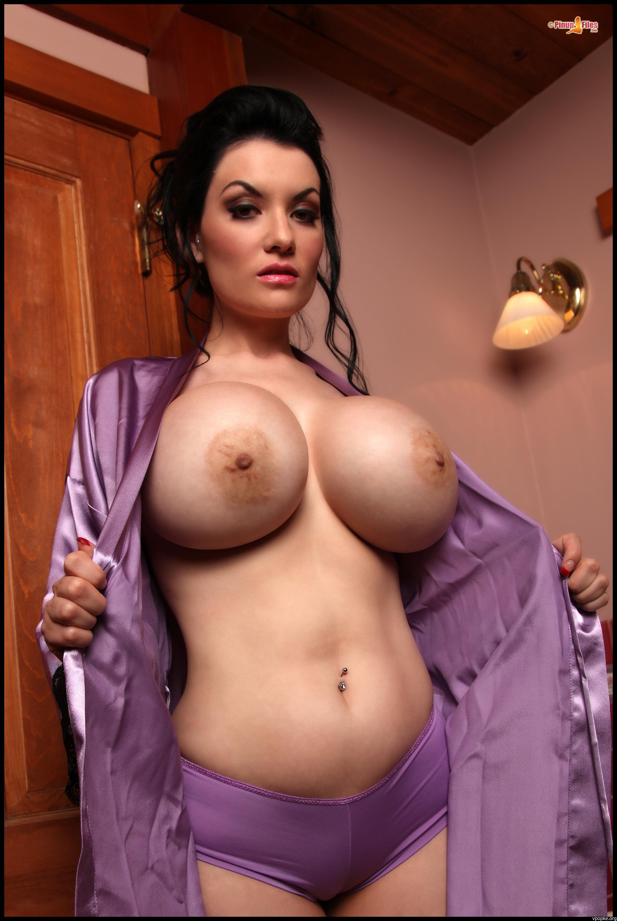 Смотреть онлайн самые большие натуральные груди 3 фотография