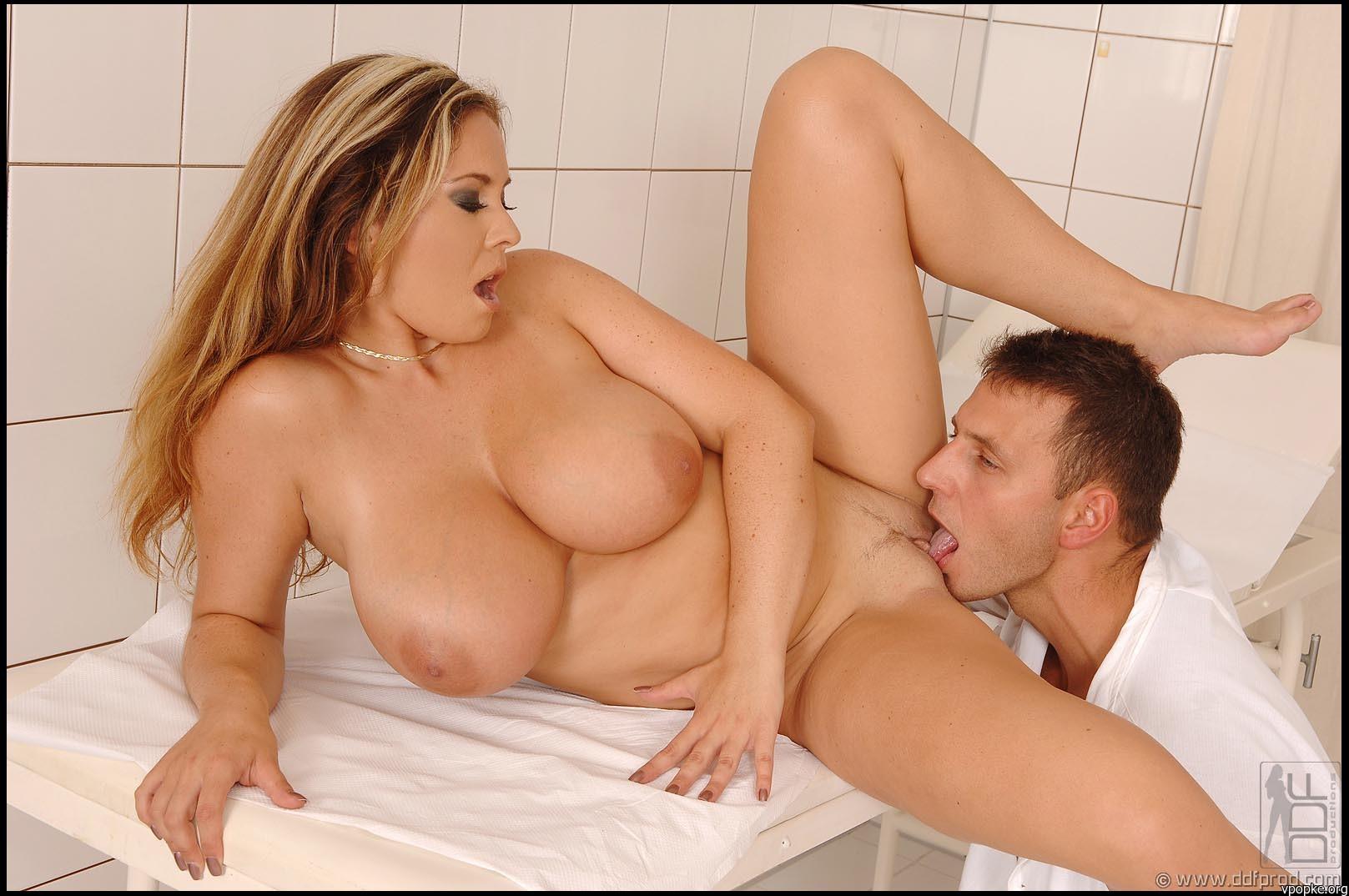 Русский секс под одялом 3 фотография