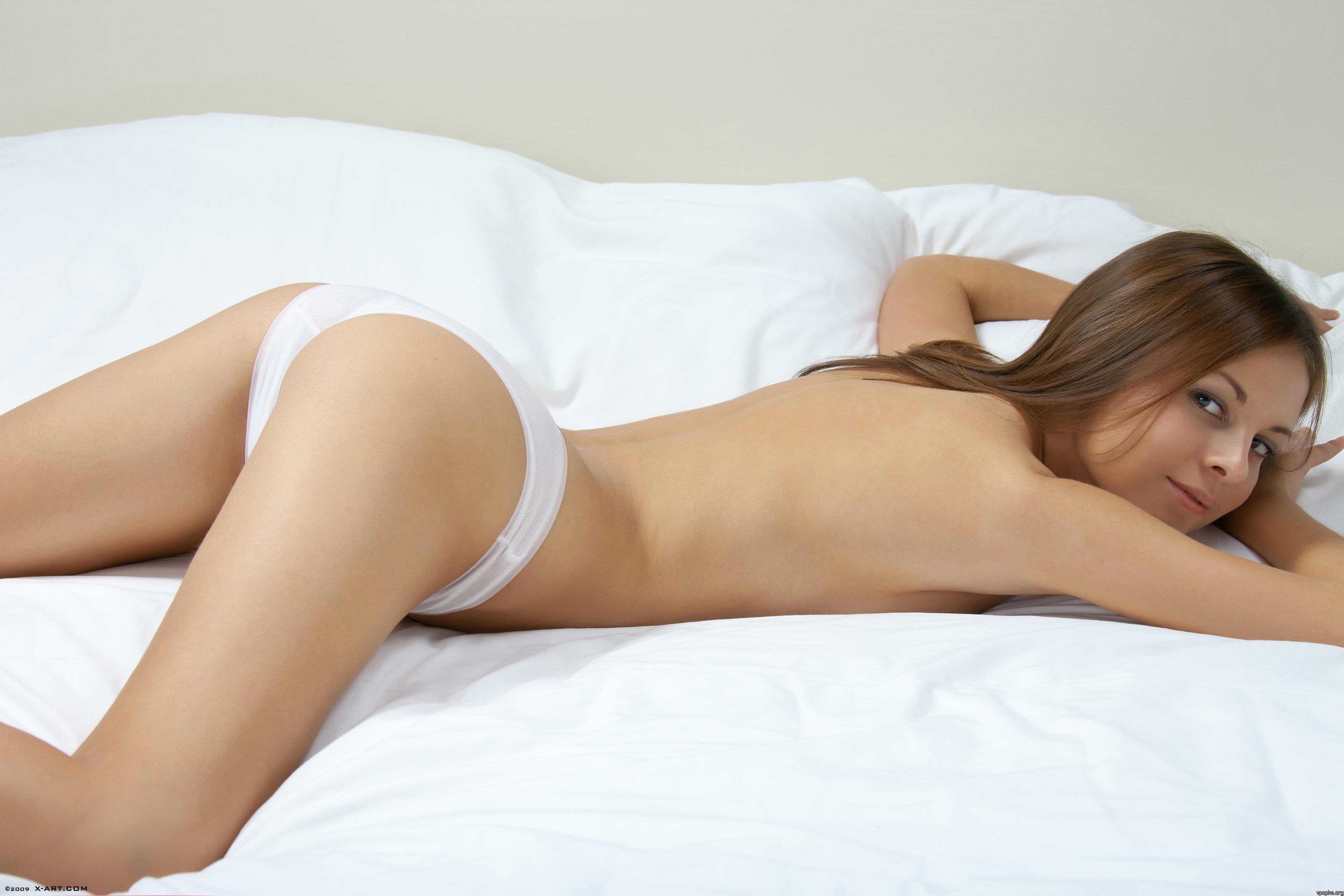 Фото женщин в белых трусиках 24 фотография