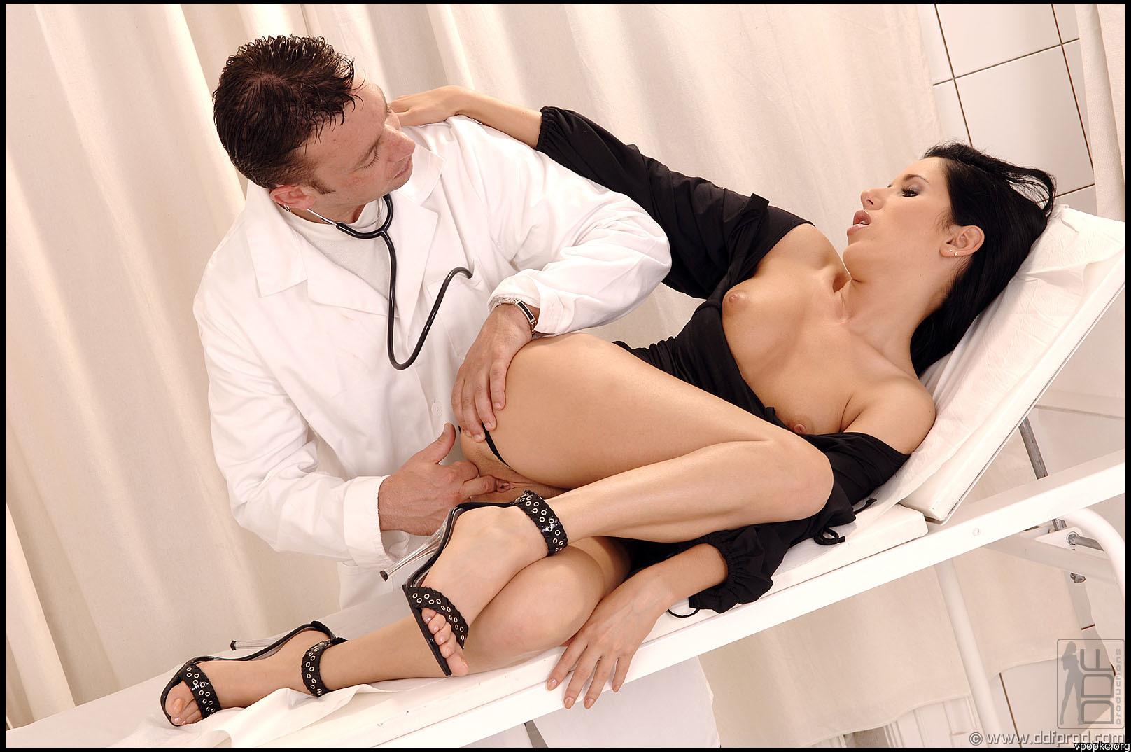 Секс жестокое наказание в салоне 13 фотография