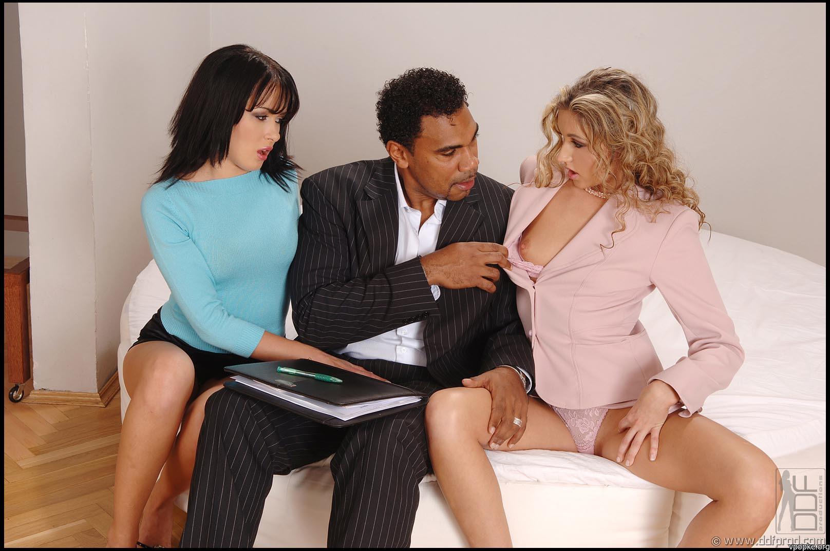 Смотреть порно онлайн на переговорах 3 фотография